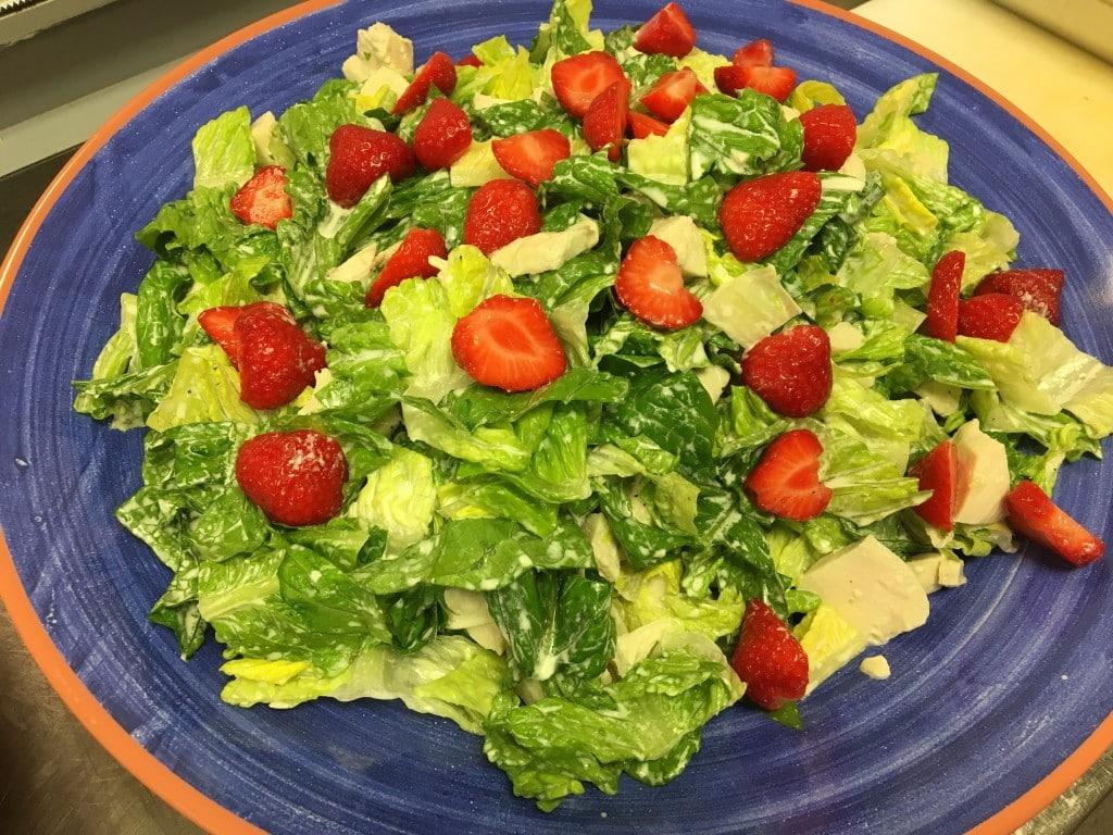 Kyllingsalat med jordbær