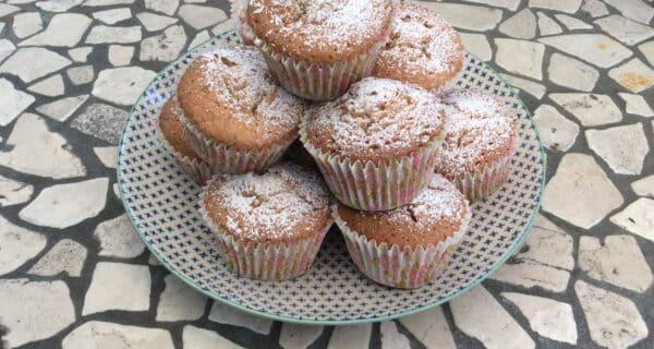Muffins med æble og kanel
