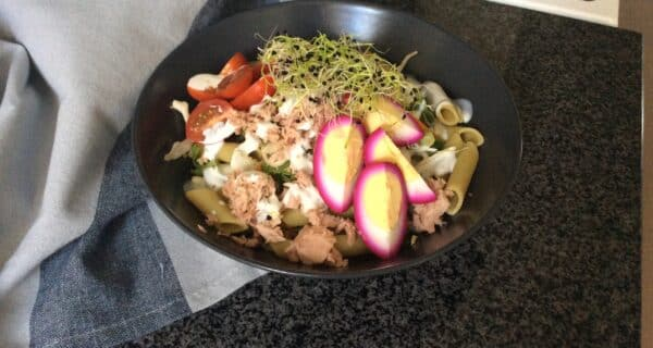 Tunsalat med rødbede æg